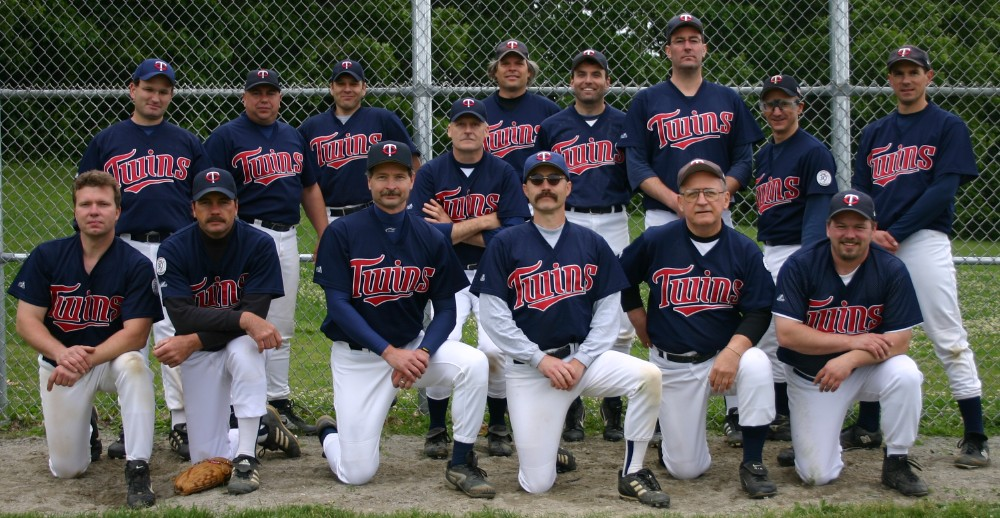 2004 Twins team picture